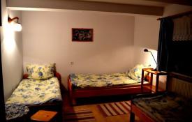 Pokój trzyosobowy w Domu pod Kasztanem