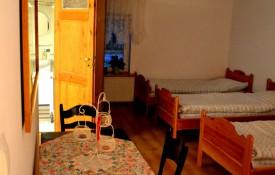 Pokój czteroosobowy w Domu pod Kasztanem
